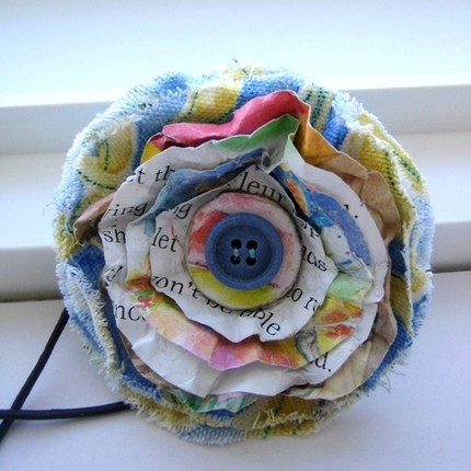 Traciebdesigns_Recycled Fabric Posy Pin_chpt 7
